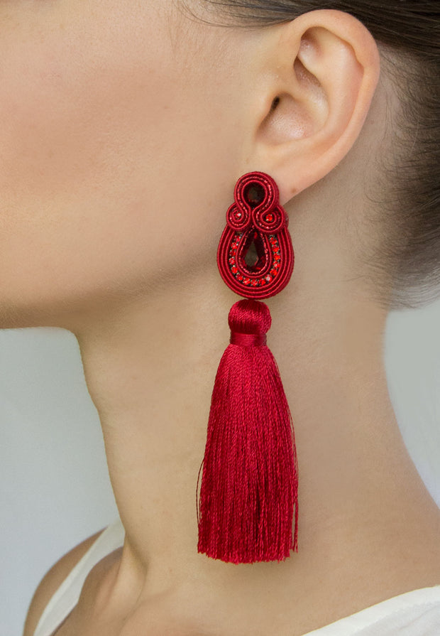 Long Tassel Earrings In Fuchsia Color