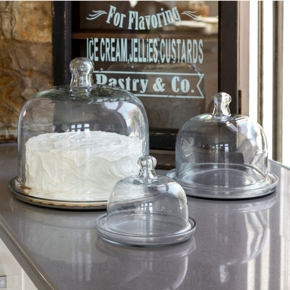 Cake and Pastry Domes