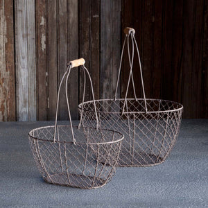 Oval Wire Basket w/Wooden Handle