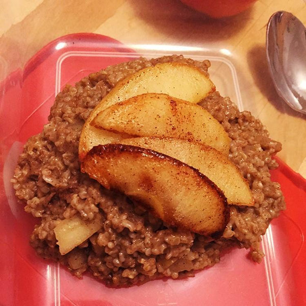 Meal Prep Sundays: Apple Pie Oatmeal