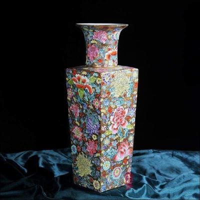 Antique Ming & Qing Dynasty Tabletop Flower Vase
