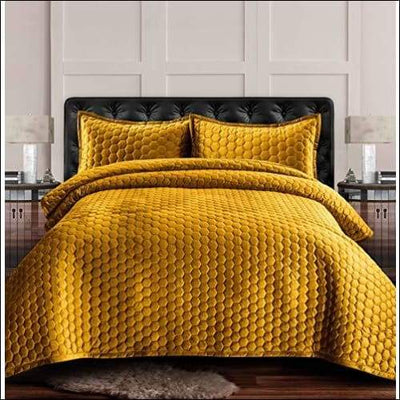 Gold Honeycomb Tribeca Velvet Quilt Set - Twin (70 x 96)