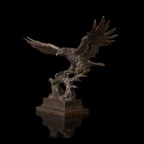 Mighty American Eagle Sculpture