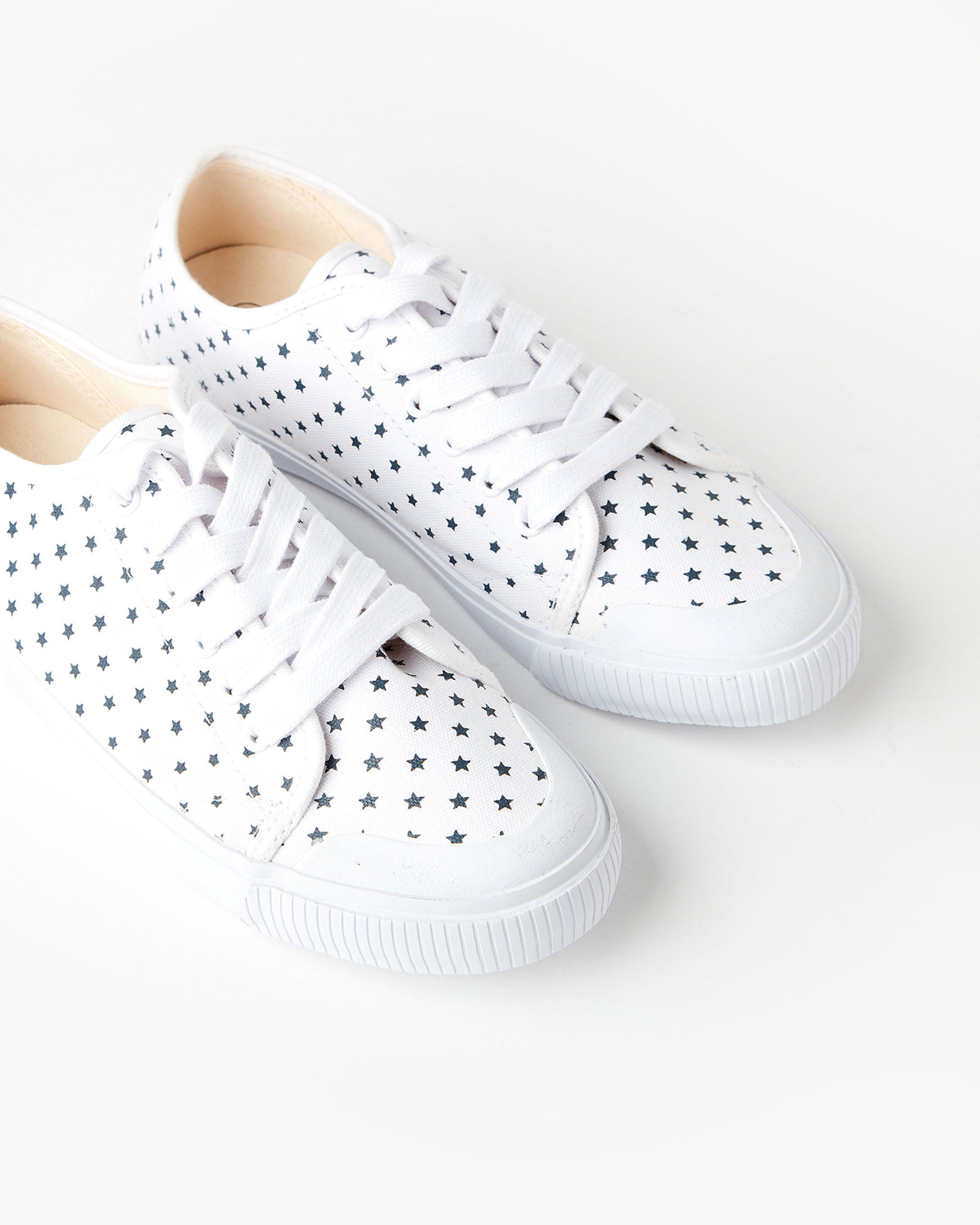 Empire Canvas Sneaker White Navy Star