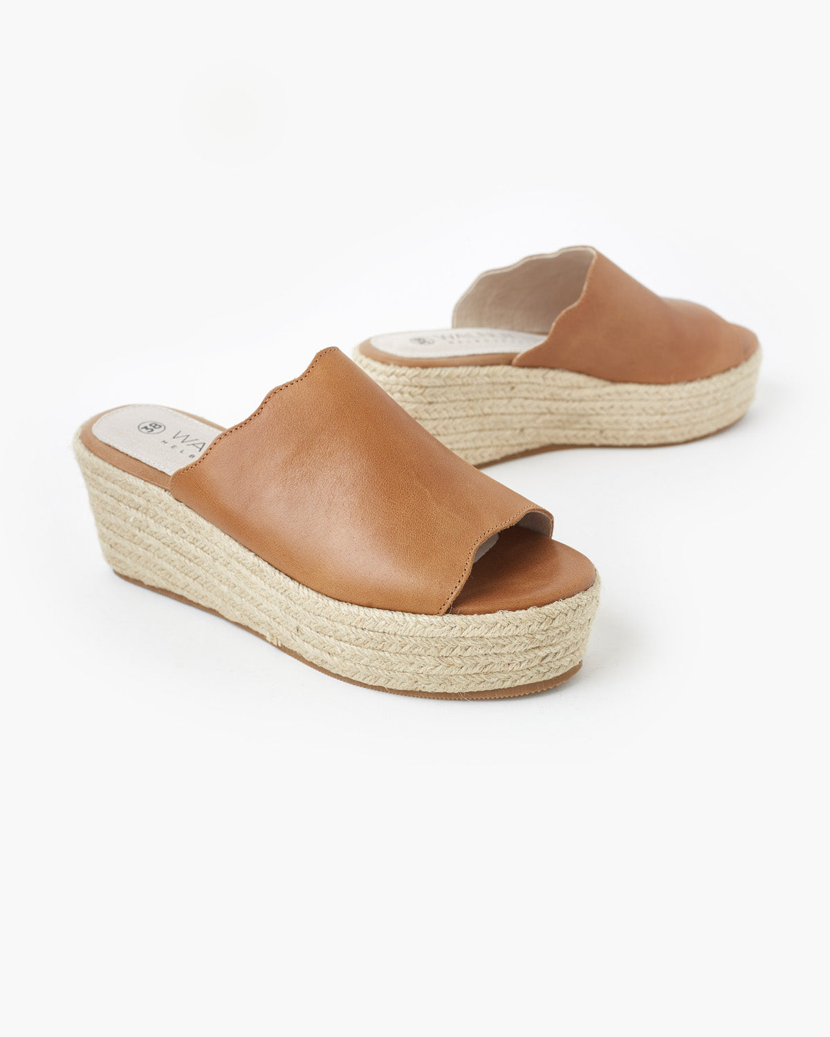Chic Leather Flatform - Tan