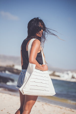 UNISEX RECYCLED WAITING FOR THE WAVE BEACH BAG