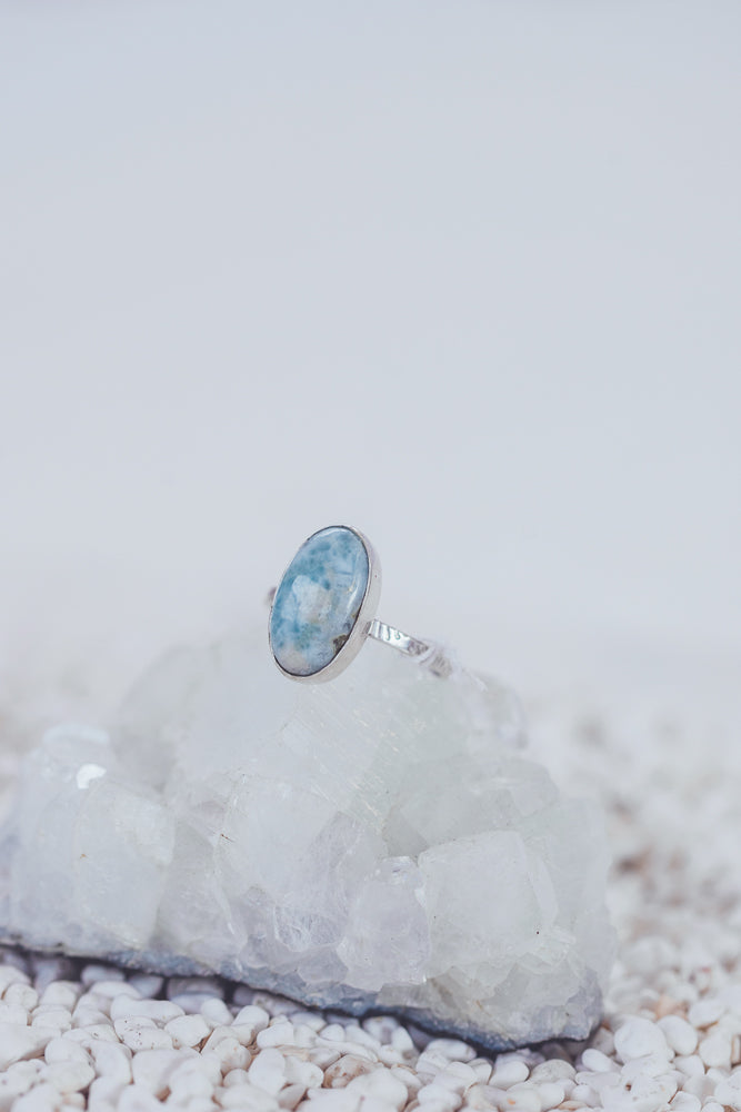 LAITLAH BIG OVAL LARIMAR RING