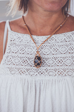 JHANA BLACK OBSIDIAN CRYSTAL NECKLACE