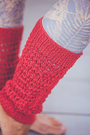 DENISA LACED CROCHET LEG WARMERS RED