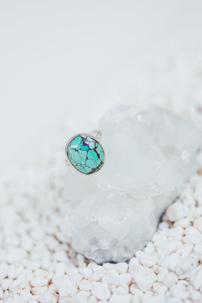 LAITLAH BIG OVAL TURQUOISE RING