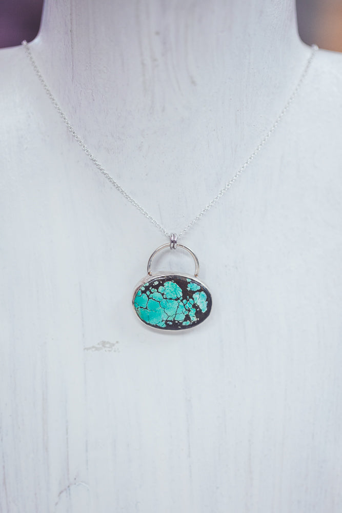 LAITLAH OVAL HORIZONTAL TURQUOISE NECKLACE
