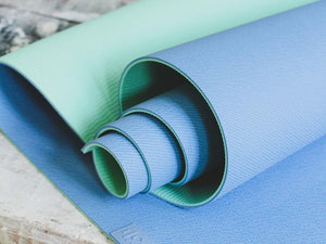 "MELON AND LIME ""BLUEBERRY"" YOGA MAT WITH THE APP"