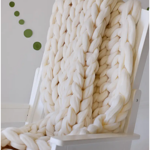 Vanilla knotted knitted throw