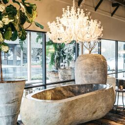 Dream River Stone Bathtub