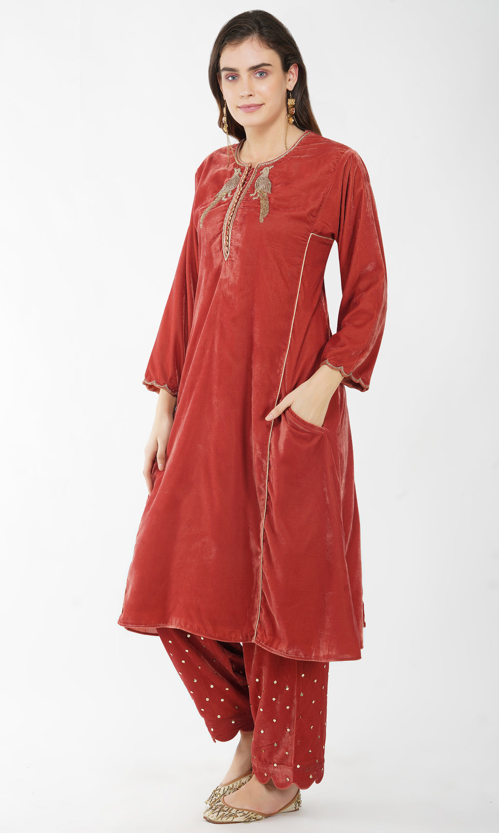 Bird Embroidered Velvet Kurta - Set of 2