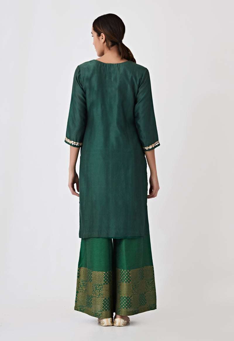 V neck embroidered Kurta- Green