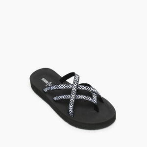 'Minnetonka' Women's Hanna Sandal - Black / White