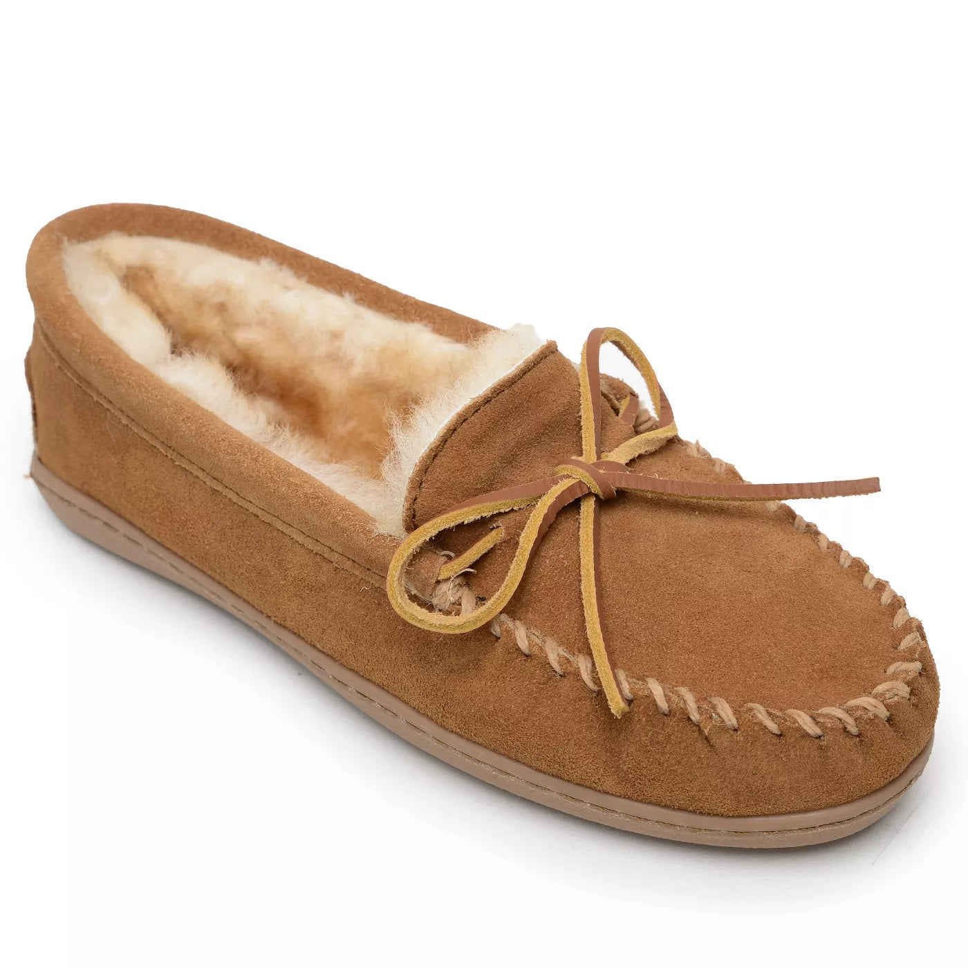 'Minnetonka' Men's Sheepskin Hardsole Moc Slipper - Tan