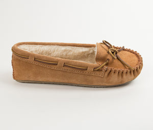 'Minnetonka' Women's Cally Slipper - Cinnamon