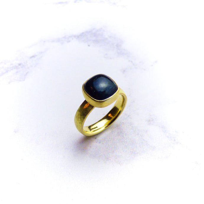 18ct Yellow Gold Blue Tourmaline Ring