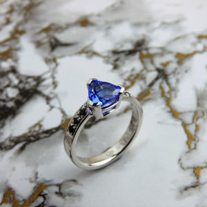 Tanzanite and Black Diamond 18ct white gold ring