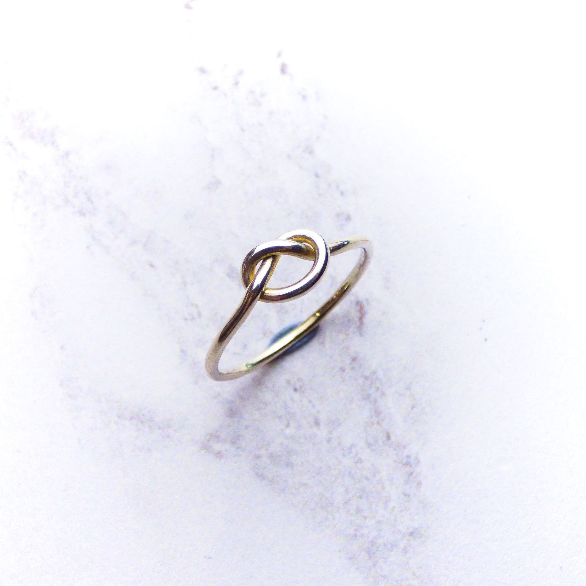 9ct White Gold Knot Ring Kirsty Taylor Goldsmiths