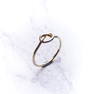 9ct White Gold Knot Ring