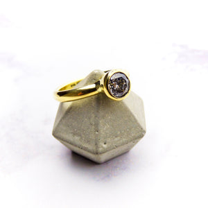 18ct yellow gold ring with Salt and Pepper Diamond
