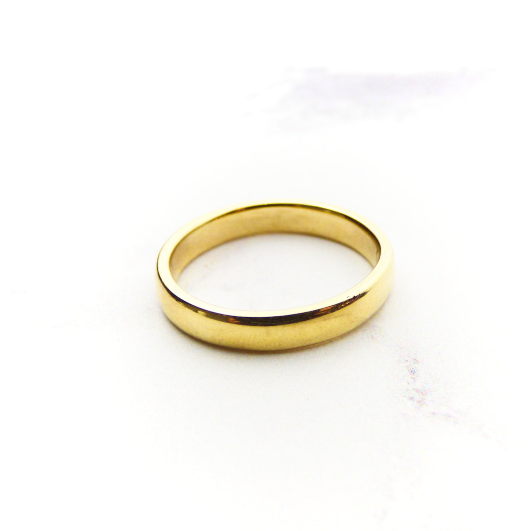 9ct Yellow Gold 4mm Court Ring