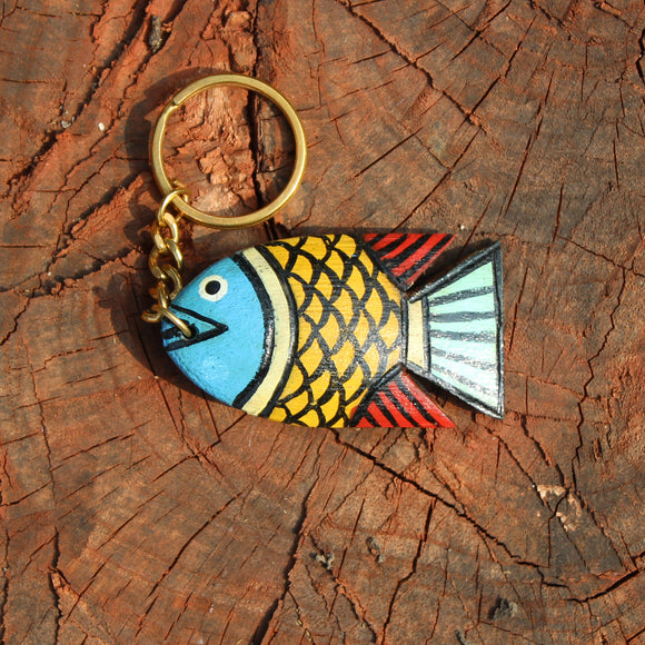 Wooden keychain handpainted by a Patua artist - Yellow Fish