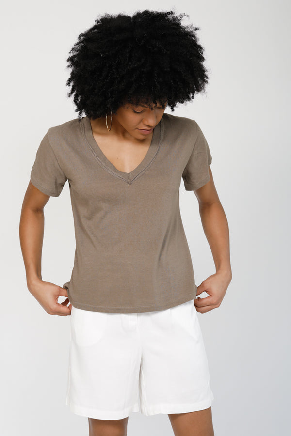 Good To Go V-Neck Tee - Mocha