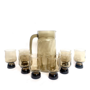 Retro glass jug and cup set