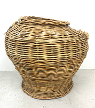Load image into Gallery viewer, Damaged large basket
