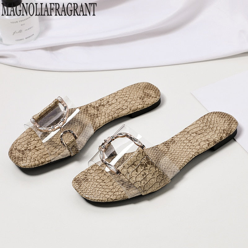 Luxury brand new crystal slippers cut out summer beach sandals Fashion women slides outdoor slippers indoor slip ons flip flops