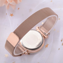 Load image into Gallery viewer, Gold Mesh Magnet Buckle Starry Quartz Women Watch