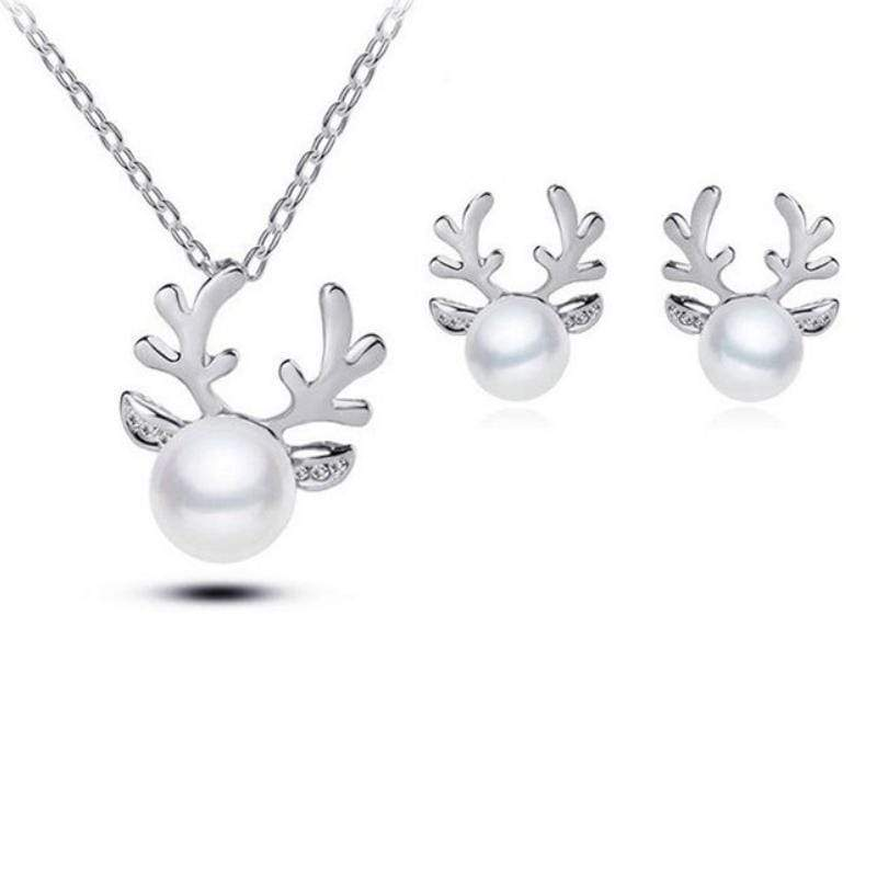 Wicked Wonders VIP Bling Bling Set Reindeer Games White Set Affordable Bling_Bling Fashion Paparazzi