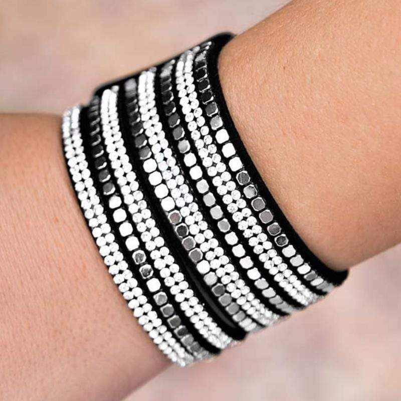 Wicked Wonders VIP Bling Bracelet Fight Night Black/Silver/White Snap Closure Bracelet Affordable Bling_Bling Fashion Paparazzi