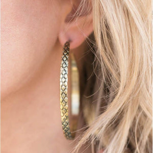 Wicked Wonders VIP Bling Earrings Give Me the Scoop Brass Hoop Earrings Affordable Bling_Bling Fashion Paparazzi