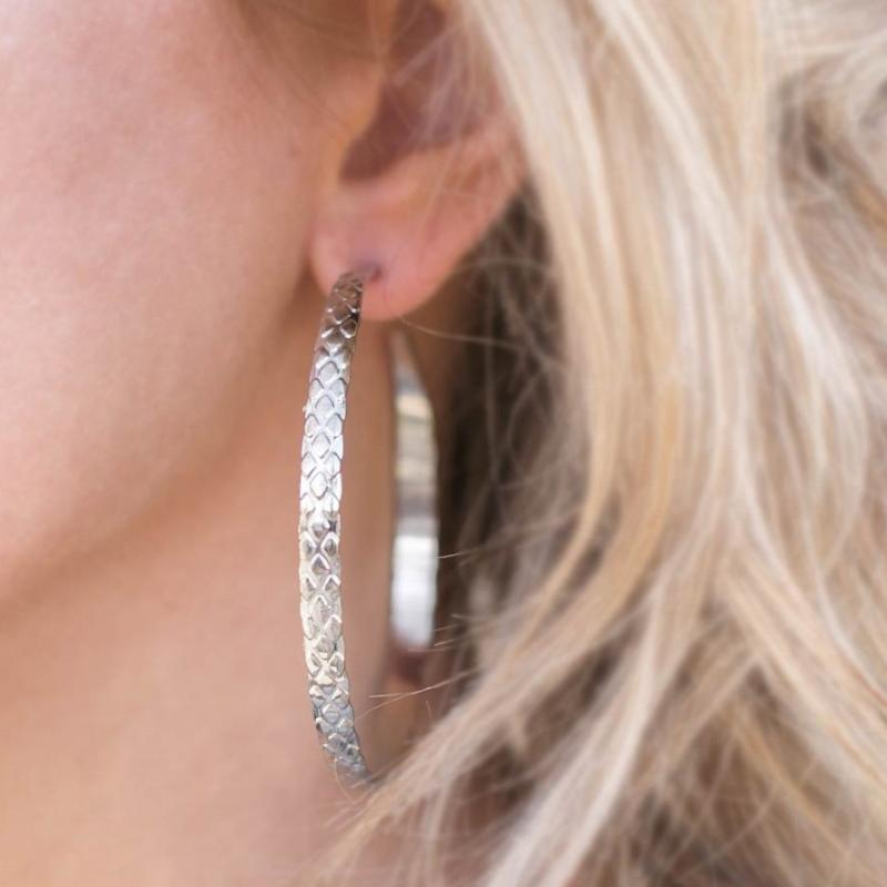 Wicked Wonders VIP Bling Earrings Give Me the Scoop Silver Hoop Earring Affordable Bling_Bling Fashion Paparazzi