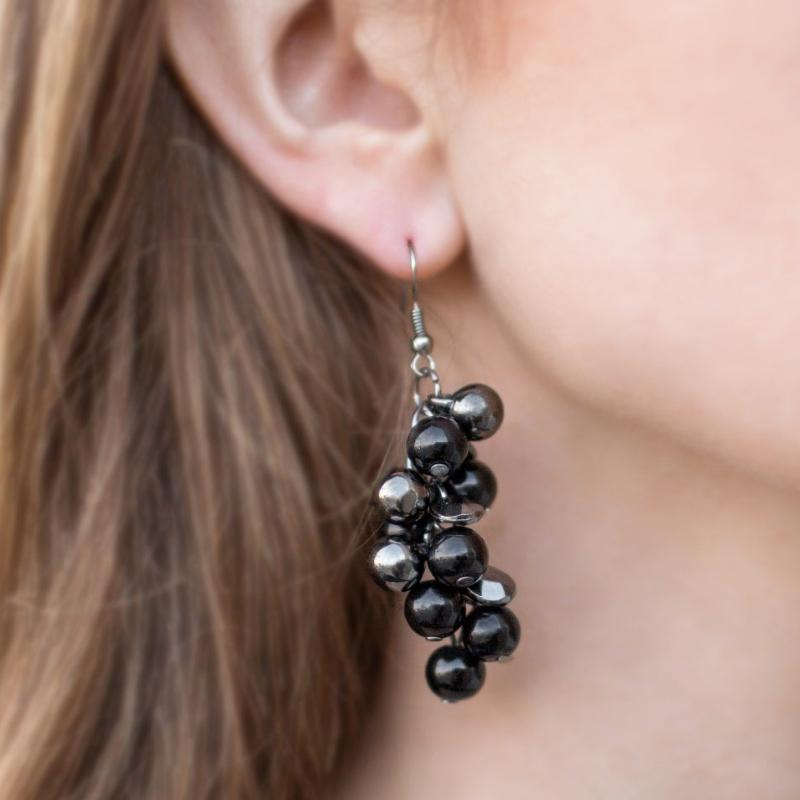 Wicked Wonders VIP Bling Earrings My Girl Black Earrings Affordable Bling_Bling Fashion Paparazzi
