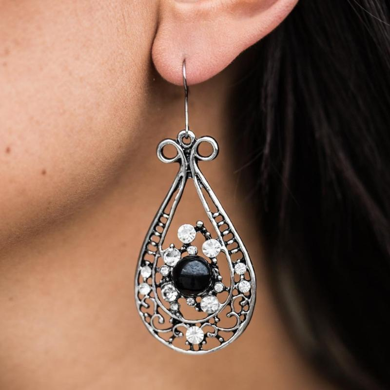 Wicked Wonders VIP Bling Earrings Oh, Pretty Woman Black Pearl Earrings Affordable Bling_Bling Fashion Paparazzi