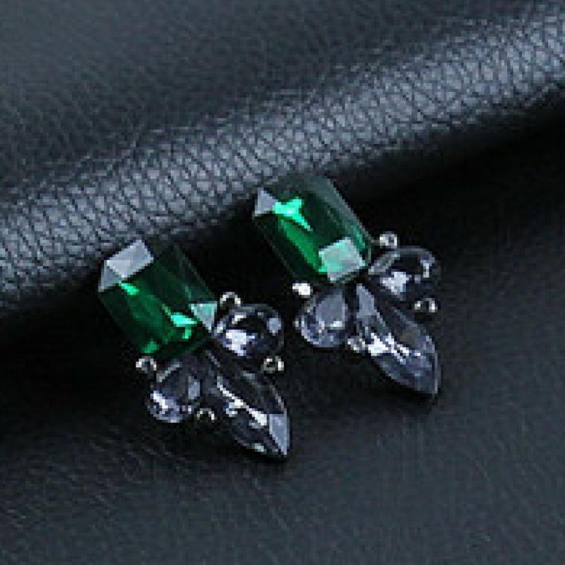 Wicked Wonders VIP Bling Earrings Pointing Me to Gems Green-Black Earrings Affordable Bling_Bling Fashion Paparazzi