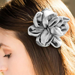 Wicked Wonders VIP Bling Hair Clip A Real Classic Silver Hair Clip Affordable Bling_Bling Fashion Paparazzi
