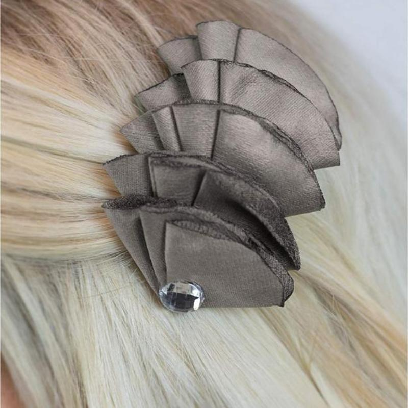 Wicked Wonders VIP Bling Hair Clip Know When to Fold Them Silver Hair Clip Affordable Bling_Bling Fashion Paparazzi