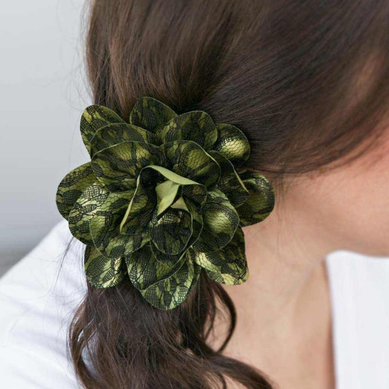 Wicked Wonders VIP Bling Hair Clip Laced With Grace Green Hair Clip Affordable Bling_Bling Fashion Paparazzi