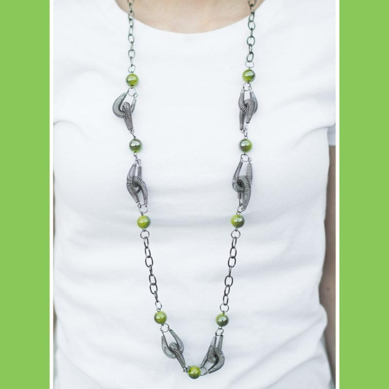 Wicked Wonders VIP Bling Necklace A Spring In My Step Green Necklace Affordable Bling_Bling Fashion Paparazzi
