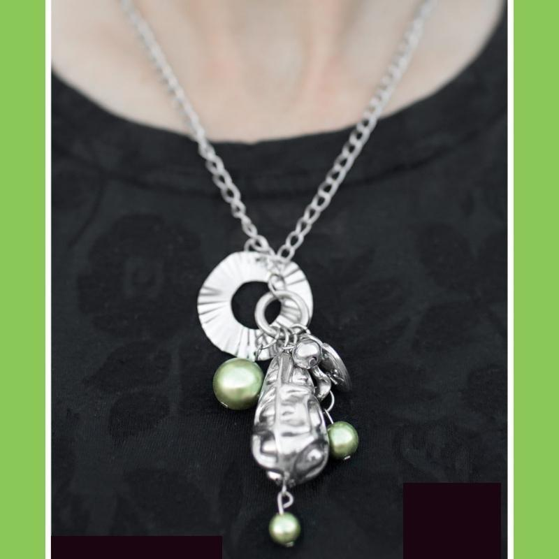 Wicked Wonders VIP Bling Necklace All In Good Cheer Green Necklace Affordable Bling_Bling Fashion Paparazzi