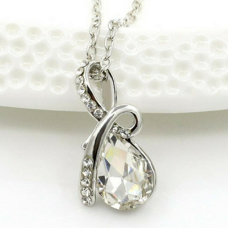 Wicked Wonders VIP Bling Necklace Angel Tears Clear White Gem Necklace Affordable Bling_Bling Fashion Paparazzi