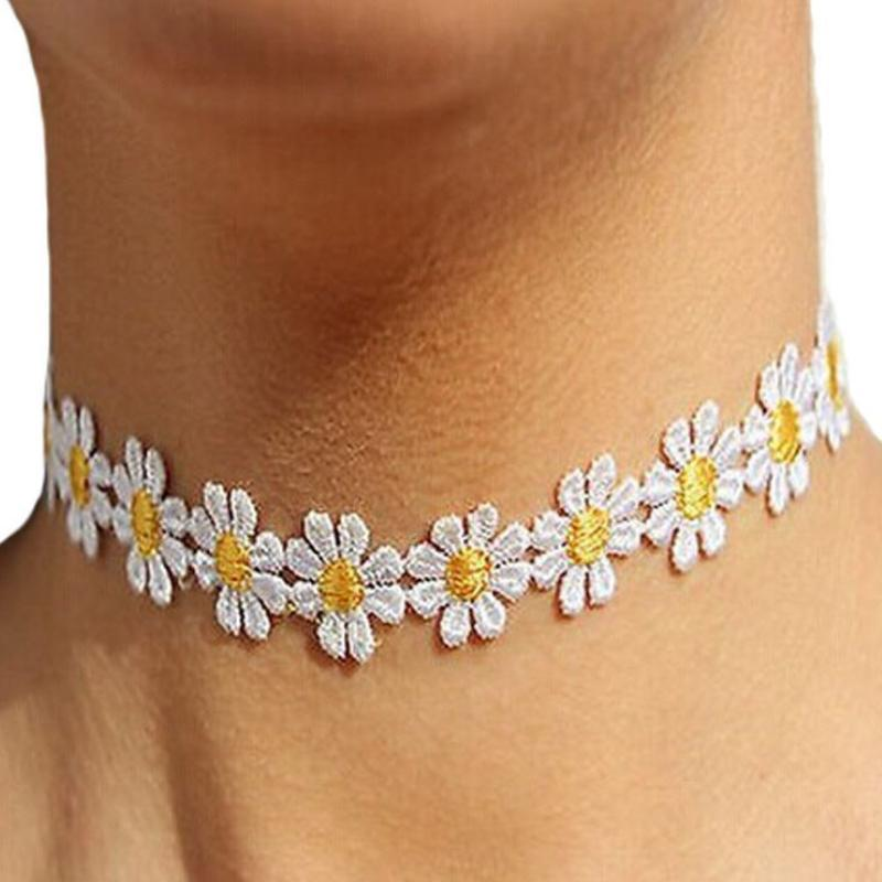 Wicked Wonders VIP Bling Necklace Daisy Days of Summer Choker Necklace Affordable Bling_Bling Fashion Paparazzi