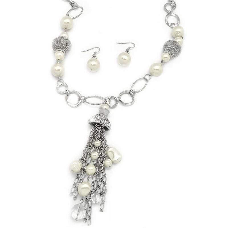 Wicked Wonders VIP Bling Necklace Designated Diva White Necklace Affordable Bling_Bling Fashion Paparazzi